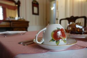 Coffee and tea-making facilities at Ashgrove House Hotel