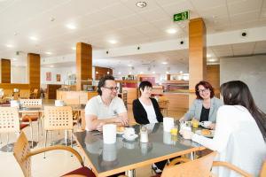 The lounge or bar area at Kolping Campus Krems