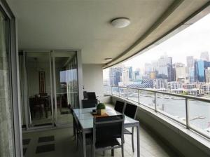 A balcony or terrace at Darling Harbour 1202