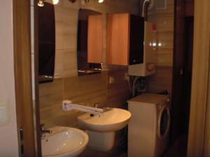 Łazienka w obiekcie Dom jednorodzinny z miejscami noclegowymi