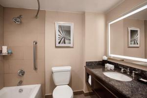 A bathroom at Crowne Plaza Hotel Los Angeles Harbor, an IHG hotel
