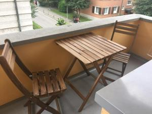 Ein Balkon oder eine Terrasse in der Unterkunft Swiss Star Hard Bridge - contactless self check-in