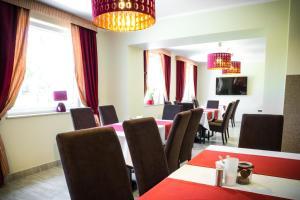Restauracja lub miejsce do jedzenia w obiekcie Kompleks Hotelarski Zgoda