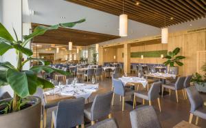 Ein Restaurant oder anderes Speiselokal in der Unterkunft Sentido alpenhotel Kaiserfels