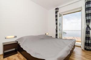 A room at Eden Central Suite