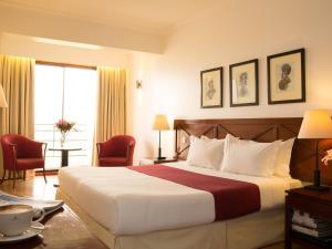 A room at 254 Ole Sereni