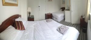 A room at INGRAM ARMS HOTEL, HATFIELD