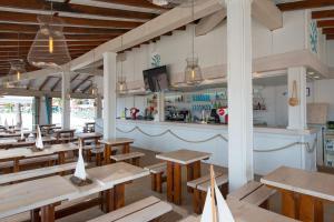 Een restaurant of ander eetgelegenheid bij Iberostar Ciudad Blanca