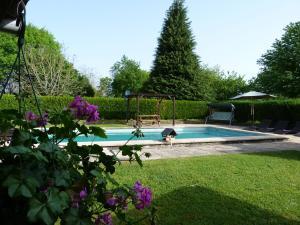 A garden outside La Fermette at Les Lavandes
