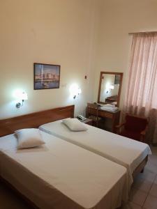Ένα δωμάτιο στο Lena Hotel