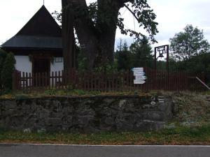 Ogród w obiekcie Pokoje i apartamenty pod Jaworzyną w Koninkach