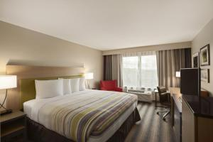 A room at Country Inn & Suites by Radisson, San Antonio Medical Center, TX