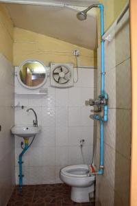 A bathroom at Yee Shin Guest House