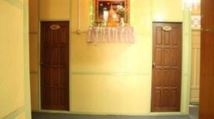The facade or entrance of Yee Shin Guest House