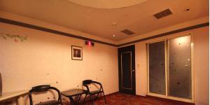 百老匯碟影旅館休息區