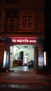 The facade or entrance of Tai Nguyen Motel