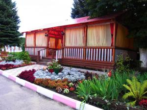 Патио или другая зона на открытом воздухе в Hotel Elit