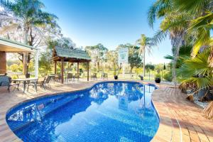 The swimming pool at or near Thurgoona Country Club Resort
