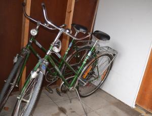 Cykling vid eller i närheten av Ol-jons By