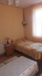A bed or beds in a room at Edelvays House