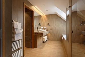 Ein Badezimmer in der Unterkunft Hotel zur Malzmühle
