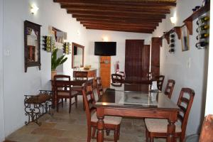 A restaurant or other place to eat at Lasa Heights Hotel