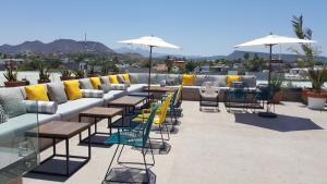 Restauracja lub miejsce do jedzenia w obiekcie Hotel Catedral La Paz