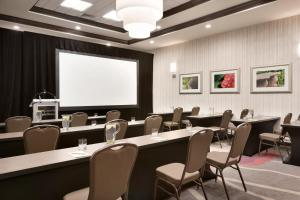 The business area and/or conference room at Hilton Garden Inn Pittsburgh Airport South-Robinson Mall