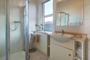 A bathroom at Garrane House