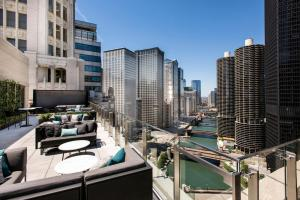 A balcony or terrace at LondonHouse Chicago, Curio Collection by Hilton
