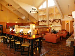A restaurant or other place to eat at Hampton Inn & Suites Steamboat Springs