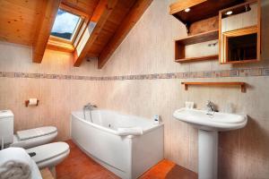 Un baño de PirineosNature Apartments