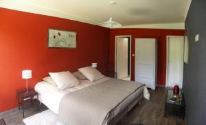 A room at Logis du Parc