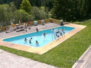 The swimming pool at or close to Gasthof Bergheimat