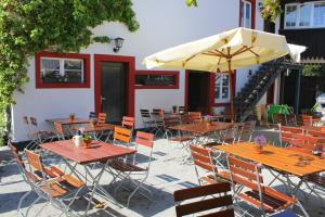 Un restaurante o sitio para comer en Gasthaus Schiff