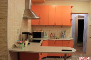 A kitchen or kitchenette at Apartments at Fabrichnaya