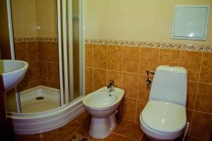 A bathroom at Filvarki-Centre