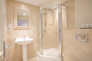 A bathroom at The Talbot Inn