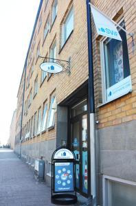 Fasaden eller entrén till Drottninggatans Vandrarhem