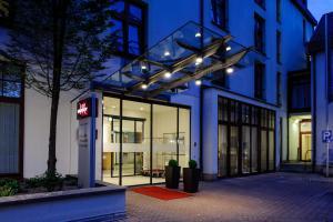 The facade or entrance of Mercure Hotel Erfurt Altstadt