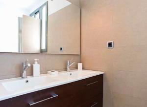 A bathroom at Tu Casa en Barcelona