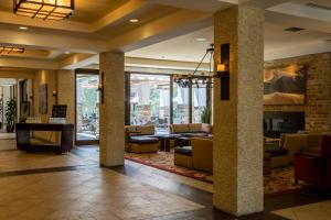 The lounge or bar area at Marriott Napa Valley Hotel & Spa