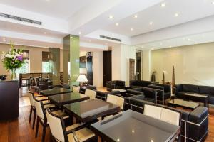 A restaurant or other place to eat at Quentin Design Hotel Berlin