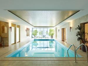 The swimming pool at or near Hotel Villa Hügel