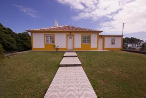 A garden outside Senhora do Mar