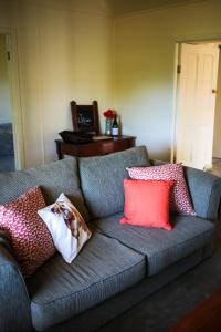 A seating area at Smiths Cottage
