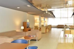 The lounge or bar area at Hotel Murrieta