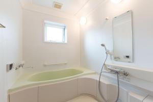 A bathroom at Swing Bridge House