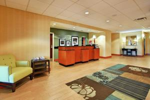 The lobby or reception area at Hampton Inn and Suites New Iberia