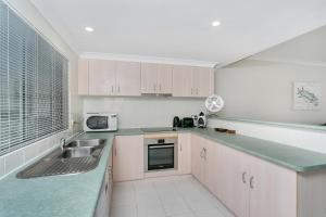 A kitchen or kitchenette at Trinity Retreat